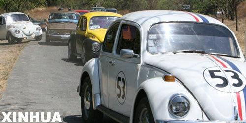 尼加拉瓜的大众甲壳虫老式车展览高清图片