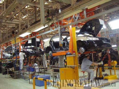1958年8月1日,红旗牌高级轿车诞生,整个试制过程只用一个月.