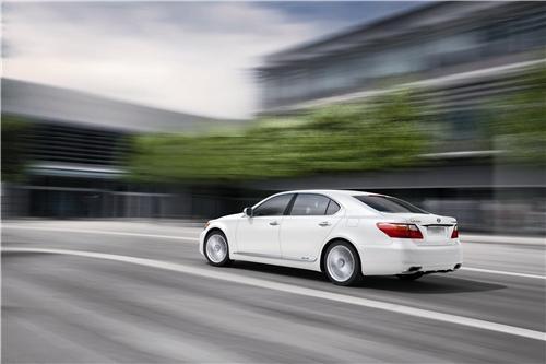 紧凑型豪华车消费者的各种需求.lexus雷克萨斯油电混合动力高清图片