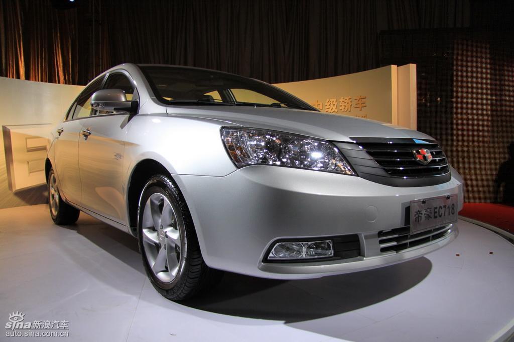 汽车 气度不凡、操控卓越,是不少人对帝豪EC718作出的评价。帝豪EC718是吉利品牌花费3年的时间打造而成的,它对吉利品牌来说是一个崭新的开始。在帝豪EC718身上可以看到吉利品牌的成长与进步,全新的发动机、丰富的配置、全面的安全性都是它的核心竞争力。据价格监测显示,帝豪EC718降价4000元, 最低售7.