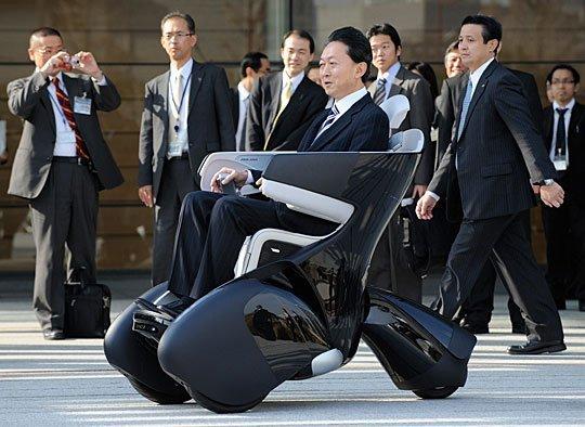 试驾高科技交通工具