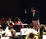 乐团指挥与乐团