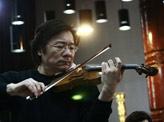 著名小提琴家薛伟排练