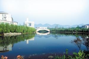 重庆惊现北方城市 大学城改变重庆格局