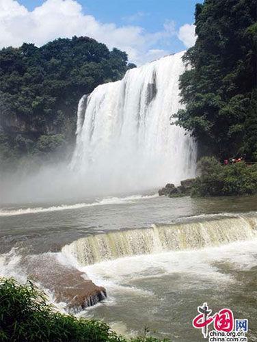 中国最美最壮观的十大瀑布\(组图\)