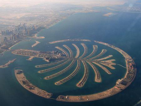 迪拜背债总额约800亿美元 信用评级不及冰岛