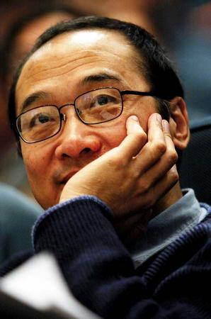 汪丁丁:郎咸平盲目信任政府 我坚决反对他的政策建议