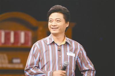 政协委员崔永元:过高房价与地方政府依赖卖地收入有关