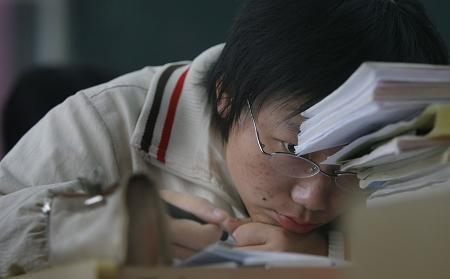 """上海将推一系列""""组合拳""""缓解教育资源分配不均"""