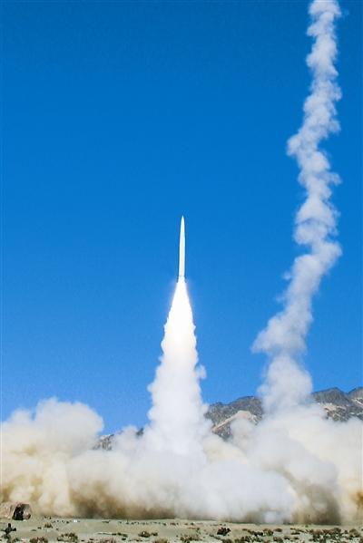 """中国战略导弹部队诞生首个""""百发百中旅""""\[组图\]"""