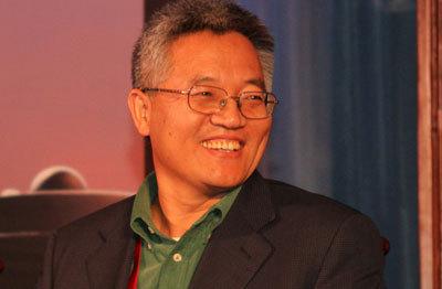 张维迎:现在的民企像时刻被追捕的自由人