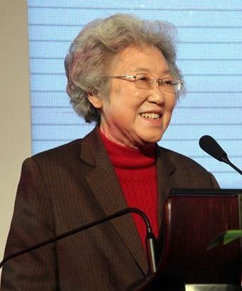 资中筠:中国发展模式不可持续 美再差也远超任何老二