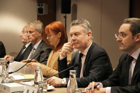 中欧同意对话磋商解决光伏电池等贸易争端