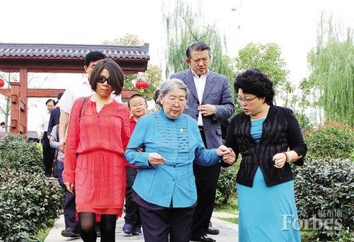 55岁泰康老总陈东升已娶毛泽东外孙女 曾苦恋15年