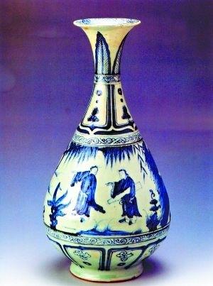 广东省博物馆藏元青花人物纹玉壶春瓶