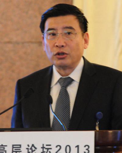 工信部长:中国手机过剩 很多人却不睡觉排队买苹果