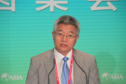 张维迎:投资是企业家的事 政府审批应废除