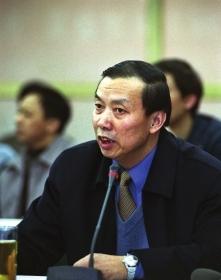 反腐专家分析刘铁男案:举报者越敢实名就越安全