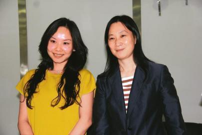 刘永好卸任新希望六和董事长 刘畅陈春花联袂亮相