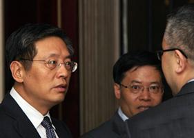 上海副市长屠光绍现身闭门会议