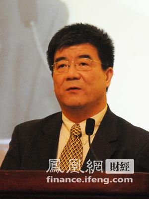 北京大学副校长海闻