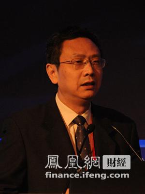 图:中国财政部财政科学研究所所长贾康