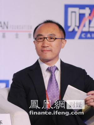图文:香港金融管理局助理总裁何东
