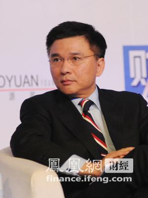图文:香港特别行政区政府财经事务及库务局局长陈家强