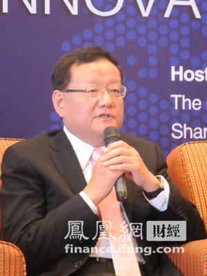 图文 凤凰卫视董事局主席兼行政总裁刘长乐