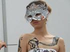 西安性博会上的人体彩绘