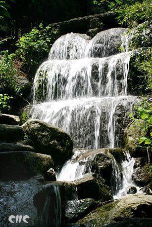 中国最美最壮观的十大瀑布(组图)(5)