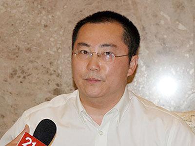 北京科技大学教授赵晓老师来到我们现场,赵老师欢迎您.