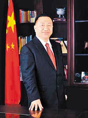 其总裁职责已由深圳航空公司副董事长,党委书记樊澄代行.