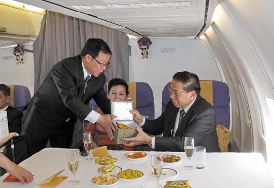 东航云南圆满完成老挝国家主席专机保障任务