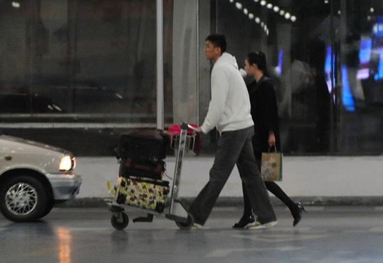 张博/在入选国家队之后,张博曾被媒体曝出在机场和车模兽兽牵手,...