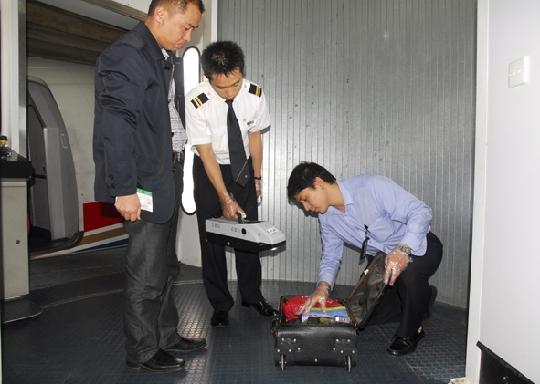 飞机上的安全员
