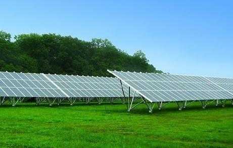 国内最大太阳能光伏发电站竣工