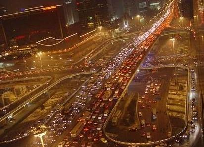 北京 开车/北京的大堵车 (新华社区图片)