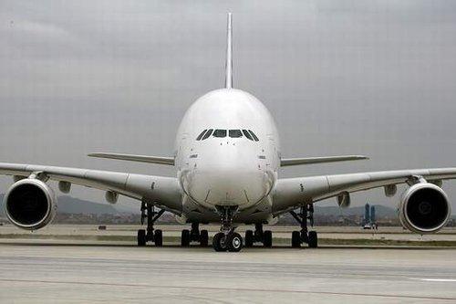 空客a380再曝发动机漏油故障图片