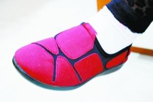 范儿/此鞋被消费者和设计师评价既没个性又没商务范儿