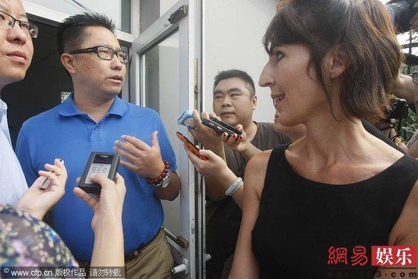 李阳否认有家暴行为 其妻要求分割千万财产